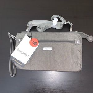 Baggallini RFID Transit Bagg Sterling Shimmer NWT